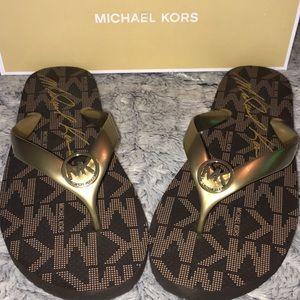 NIB Michael Kors Flip Flops Size 9